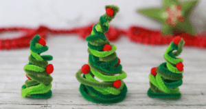 Fun, Cheap & Easy Christmas Crafts For Kids!