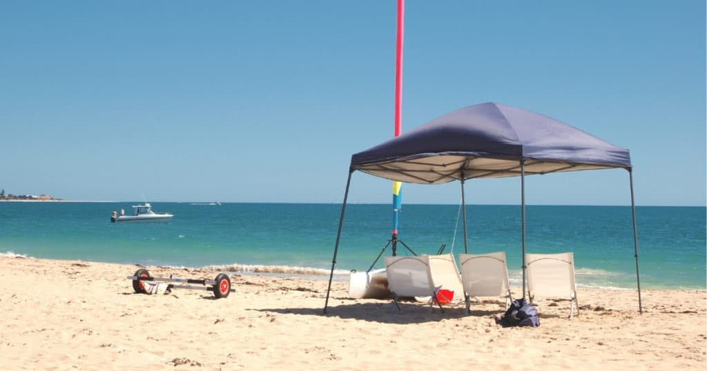 an image of the best beach tent under the heat of the sun